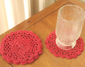 RUBY SNOWFLAKES: Set of 4 Vintage Handcrafted Crocheted Coasters / Drink Doilies, Holiday Red with Green Foil Tinsel, Look NEW, 5.25 inches