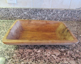 Small hand carved rectangular wood bowl- nice condition and beautiful