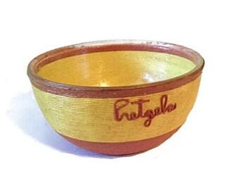 Mid century string art Pretzels bowl - 8 inches - Kitsch - Retro