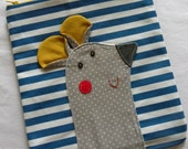 Mousy pouch on red or blue stripy canvas