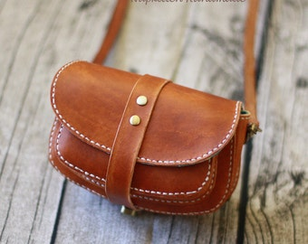 Leather bag, small leather bag, crossbody bag, leather wallet, messenger bag, cross body leather bag, zippered leather bag, vegetable tanned