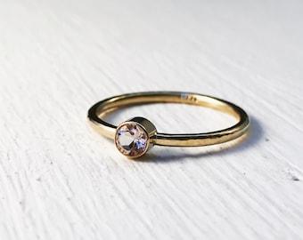 Morganite Solitaire Ring in 14k Gold