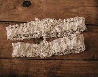 Vintage-inspired Garter / Wedding Garter Set / Bridal Garter Set / Lace Garter