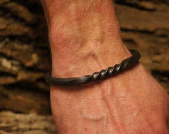 Delicate Scroll End Viking Arm Ring