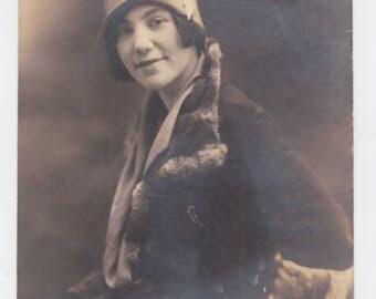 "Vintage  7 "" x 9 "" 1920s photograph flapper girl"