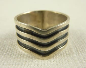 Size 6.25 Vintage Sterling Striped Groove Ring