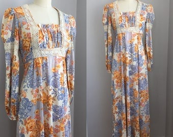 Vintage 1970s Boho Hippie Rose Print Puff Sleeve Maxi Dress with Crochet Lace Trim Size XS