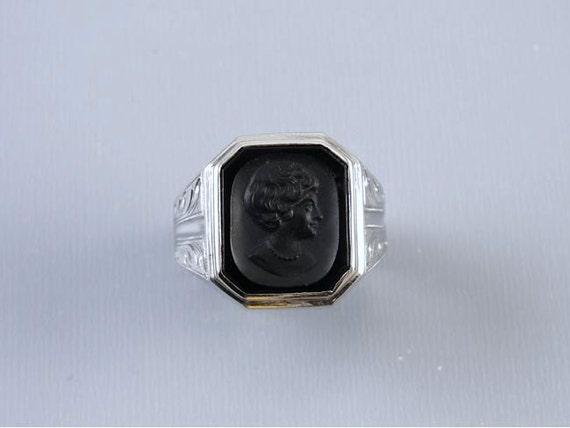 Vintage Art Deco 10k white gold black onyx cameo intaglio flapper girl ring / size 8-3/4 / signed Kraus & Beam