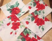 Vintage 1950s or 1940s Tablecloth Flower Rose cloth Napkins Set of 7 / 2 designs of roses / cottage / shabby chic / garden party / tea /