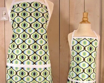 40% off Feeling Groovy Mommy and Me Apron Set - Young Adult/Teen Size -  Reversible Apron Set
