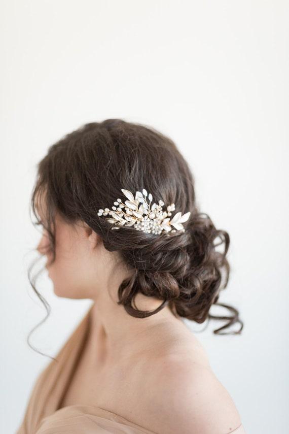 Gold Wedding Hair Comb, Bridal Hair Comb, White Opal Crystal Hair Comb, Gold Leaf Bridal Hair Accessory