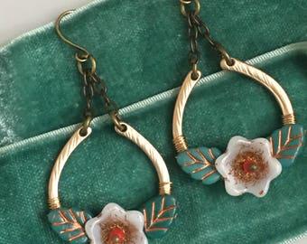 Garland earrings  in White