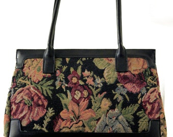 Vintage beautiful tapestry handbag
