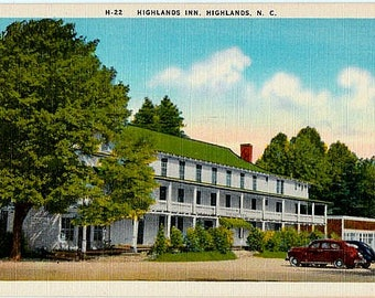 Vintage North Carolina Postcard - The Highlands Inn on Main Street, Highlands (Unused)