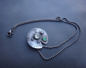 Lily Pad Stones Necklace