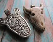 Bone Bull Pendant, Bone Bull, Bull Pendant, Nepal, Bone Bull Pendant, Pendant, Bone Pendant, Bone Bull from Nepal, Bull, Southwestern