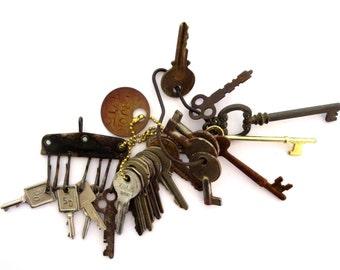 DESTASH keys 20 Vintage keys Keys for jewelry Cheap keys Jewelry keys Bargain keys Old and odd lot Skeleton keys Skeleton keys Bit keys #35