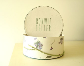 Vintage hatbox, Bonwit Teller mid-century millinery hat box, purple violets, green leaves, boudoir decor, bedroom storage, Chicago New York