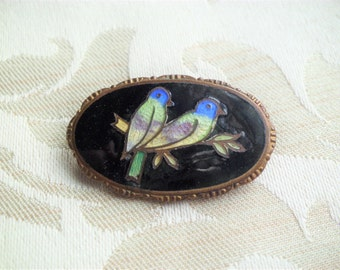 Antique Victorian Basse-taille Enamel Love Birds Brooch