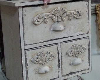 Off White Jewelry Box / Flourish Shabby Romantic Girly Memory Box / Home Decor / Trinket Box / Keepsake Box