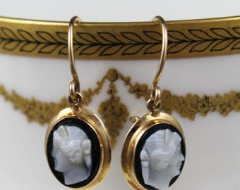 Vintage Black and White Cameo 10K Gold Earrings