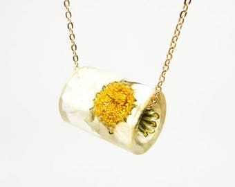 Resin Tube Necklace with a Daisy.  Resin Jewelry with Real Pressed Flowers - Resin Jewelry.  Handmade Jewelry.