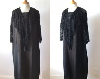 FLASH SALE 1930s Black Silk and Lace Dress / Long Sleeved / Long Lace Collar / S M Original Vintage