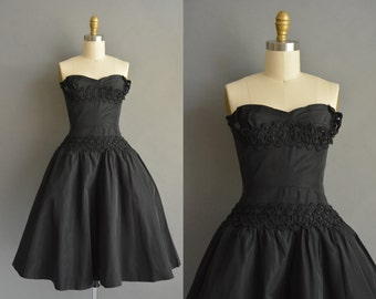 Black stapless 50s full skirt party prom vintage dress / vintage 1950s dress
