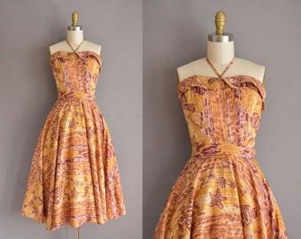 vintage 1950s dress. 50s rare star fish Hawaiian print full skirt dress. 50s vlv dress