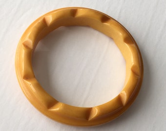 Butterscotch Yellow Carved Bakelite Bangle Bracelet