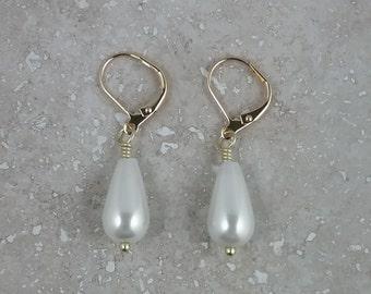 Earrings, Jewelry, Dangle Earrings, Pearl Jewelry, Pearl Earrings, Animal Rescue, I Love My Dog Jewelry, Kate Middleton Jewelry