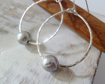 Silver Pearl hoop earrings. Silver jewelry. Pearl earrings. Silver earrings. Hoop earrings. Christmas gift for her