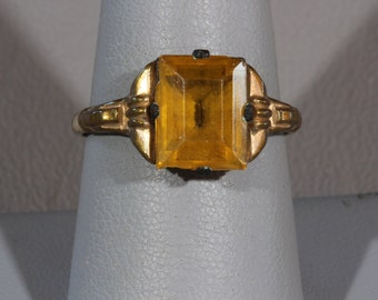 Art Deco 14K RGP Citrine Glass Ring by Uncas, 1920s Rolled Gold Plate Uncas Ladies Solitaire Ring, Emerald Cut Citrine Glass Ring