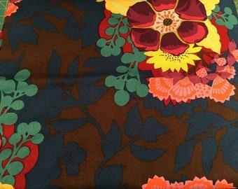 Anna Maria Horner Garden Party Centerpiece in navy FQ