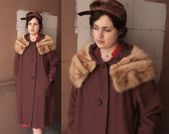 Vintage 1950's Coat // 40s 50s Cocoa Brown Boucle Wool Coat with Blonde Mink Shawl Collar // Old Hollywood Dress Coat