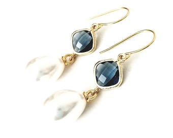 Sapphire and Pearl drop earrings Bridal pearl teardrop earrings Pearl earrings Pearl dangle earrings Bridesmaid earrings Navy pearl earrings