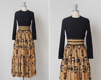 vintage 1970s dress / 70s hostess gown / black and gold dress / Dynasty dress
