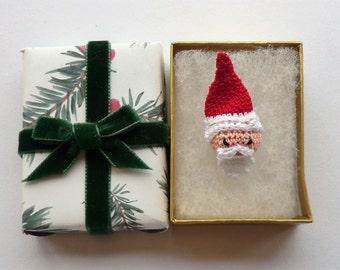 Micro crochet Santa father Christmas pdf crochet pattern - advent calender day 22