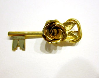 """Vintage Rose Key Brooch Coro Pegasus Signed Gold Key Gift Idea Under 15 Jewelry for Mom for Her 2 1/4"""" Key Jewelry"""