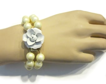 Vintage White Flower Bracelet Pearl Beaded Enamel Bracelet Bridal Jewelry Wedding Jewelry Vintage Jewelry Gift Idea for Her Under 50
