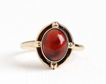 Antique 10k Rosy Yellow Gold Garnet Cabochon Ring - Vintage Art Deco Size 6 1/4 Red Gemstone Open Metal Target Style Fine Jewelry