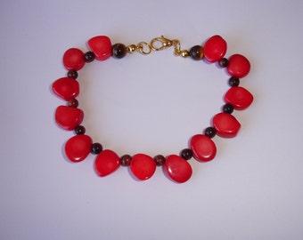 Bracelet perles baroques bambou teinté rouge, oeil de taureau et oeil de tigre