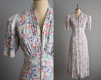 40's Dressing Gown  / 1940's Print Satin Dressing Gown Robe M