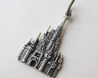 Vintage Charm Sterling Silver Disneyworld Cinderella Castle Walt Disney Productions Souvenir Bracelet Charm