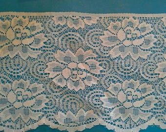 Extra Wide Flat White Floral Lace Sewing Trim 5 Yards by 7  Inches Wide L0597
