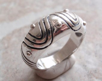 Sterling Silver Ring Wavy Lines Dots Size 8 Vintage GS0023