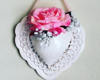 Heart Decor - Floral Decor - Ceramic Wall Pocket  -  Wall Pocket - Ceramic Planter - Cottage Chic Decor - Shabby Chic Decor - Floral