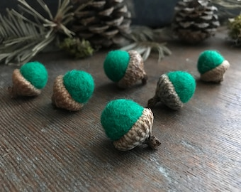 Felted wool acorns, set of 6, Kelly Green, green felt acorns for waldorf color sorting or montessori toys, needle felted acorns, green acorn