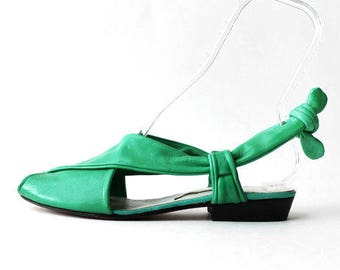 1970's Kelly Green Back Tie Slingback Sandals