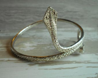 Vintage Egyptian cobra snake arm band bracelet Cleopatra style silver tone arm cuff